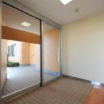 地域交流スペース玄関風除室