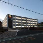 新校舎外観 (南東面 遠景 夕景)