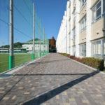 新校舎-人工芝G間通路